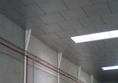 Ejemplo de falso techo industrial ursa terra