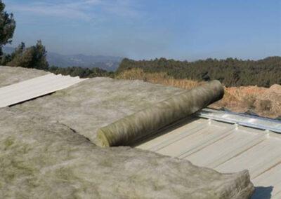Rollos no rígidos ursa terra sobre cubiertas de naves industriales